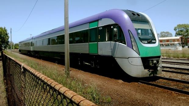 Article image for Tom Elliott grills V/Line CEO over wheels on defective trains