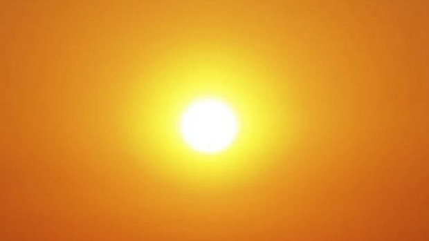Article image for Melbourne swelters through hottest March night on record