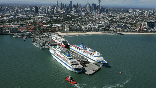 Article image for Taxi and transport problems at Station Pier an 'embarrassment' for Melbourne