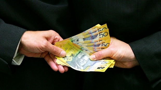 Article image for 'Guardian Angel' lends money out of own pocket
