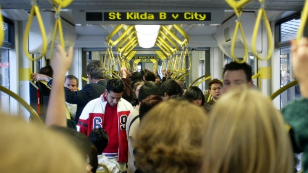 Article image for Parking cars to blame for weekend delays, say public transport users