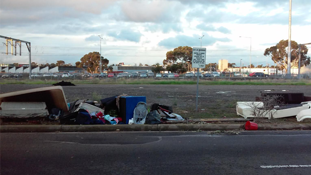 Article image for The streets of Melbourne are filling with rubbish