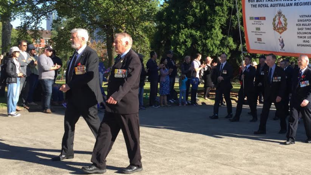 Article image for Vietnam Veterans Bill Akel and David Sabben lead the Anzac Day parade