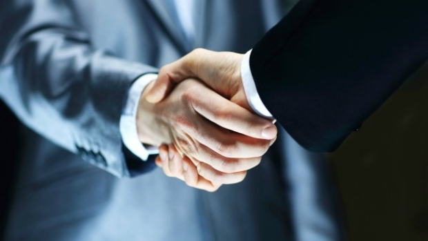 Article image for How to perfect your own handshake