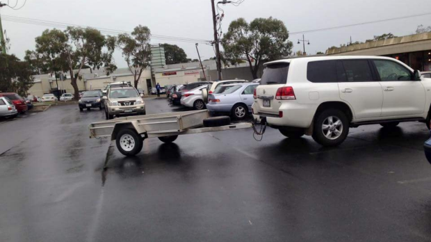 Article image for Mt Eliza man forgets he is towing a trailer on his trip to Woolworths
