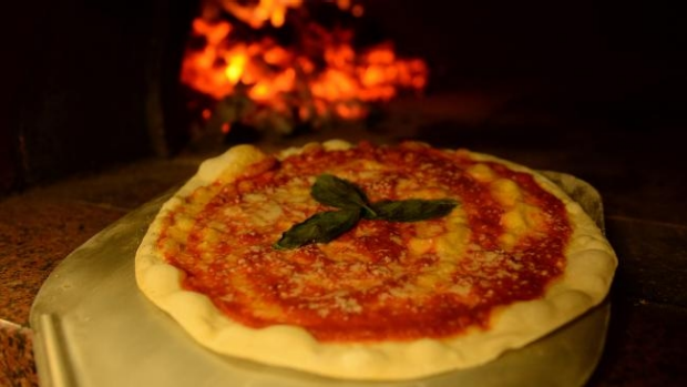 Article image for A Preston pizza chef has been crowned the best pizza maker in Australia