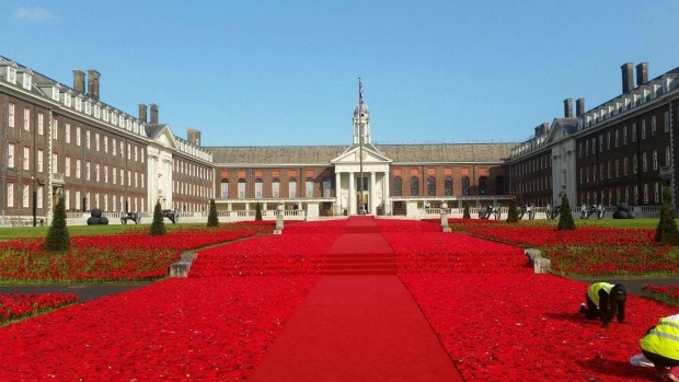 Article image for 300,000 poppies at Chelsea Garden Show