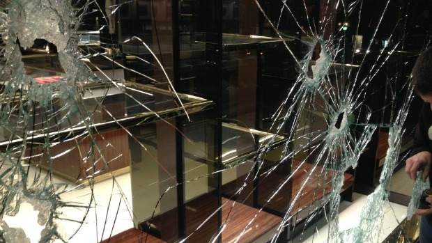 Article image for Prada and Gucci handbags stolen during brazen Collins Street robbery