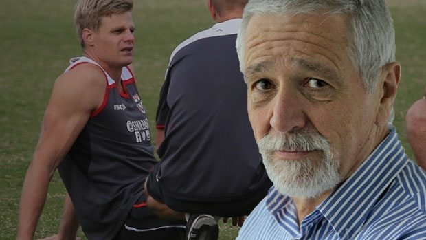 Article image for Nick Riewoldt apologises for clash with St Kilda official after Essendon win