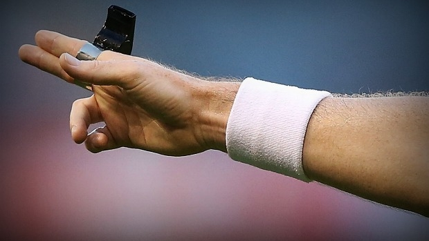 Article image for Umpire abuse 'rife' in suburban junior football leagues