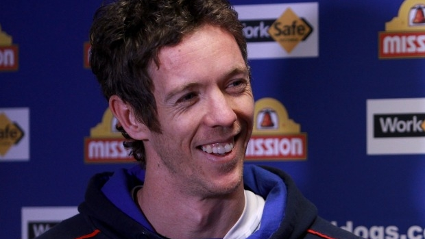 Article image for Western Bulldogs captain Bob Murphy to play on in 2017
