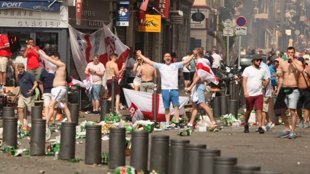 Article image for Concerns violent fan chaos at Euro 2016 could increase chances of terror attack