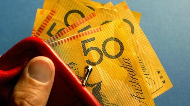 Article image for RUMOUR CONFIRMED: Eltham teen leaves wallet with $500 at train station