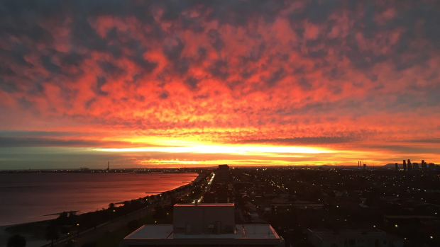 Article image for Melbourne blanketed by stunning Sunday sunset