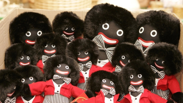 Article image for Beechworth sweet shop has signage pulled for featuring golliwogs