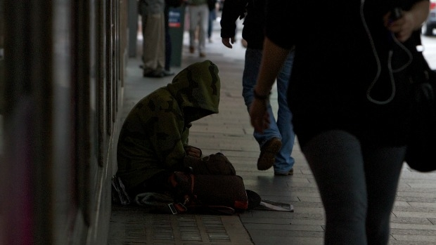 Article image for Melbourne mayor calls for end of 'misguided' donations to city's homeless people