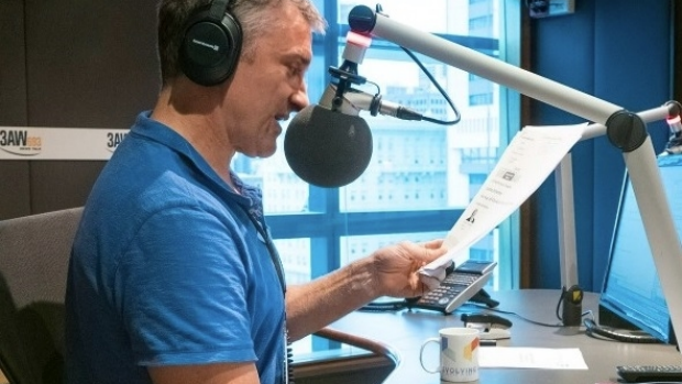 Article image for Tuning in to Tom Elliott on 3AW Drive in country areas, outside of Melbourne