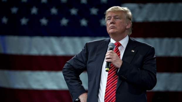Article image for Trump calls sexting scandal in Clinton camp a 'national security concern'