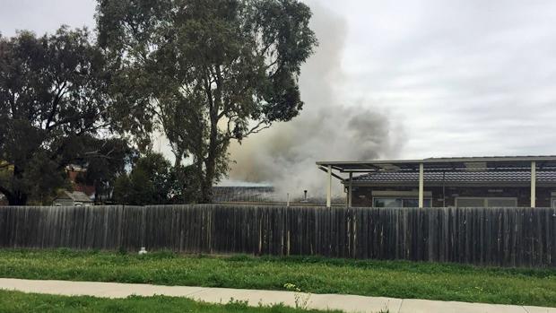 Article image for Fire crews battlle unit fire at Sydenham