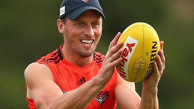 Article image for Essendon offers James Kelly and Matt Dea contracts for 2017