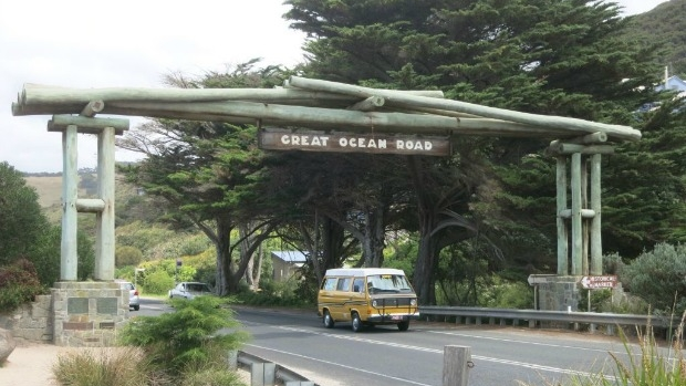 Article image for Former Geelong Mayor Keith Fagg leading push for tolls on Great Ocean Road