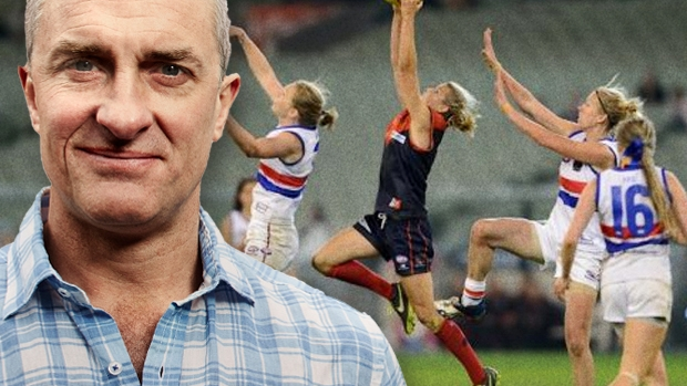 Article image for Tom Elliott and Greens leader Richard Di Natale debate pay deal for female footy players