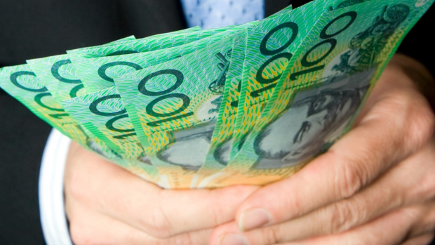 Article image for Almost three times as many $100 notes in circulation as $5 notes
