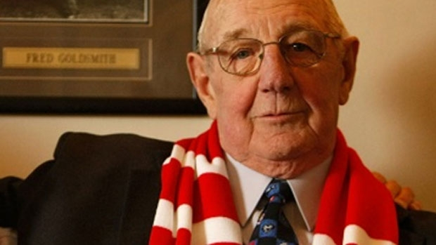 Article image for Fred Goldsmith, the oldest surviving Brownlow medallist, dies aged 84