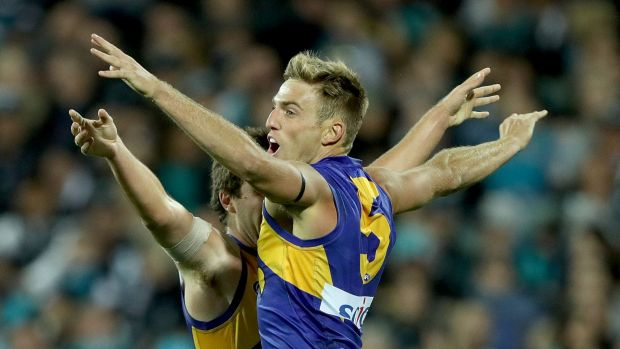 Article image for Eagles coast past Cats for vital win
