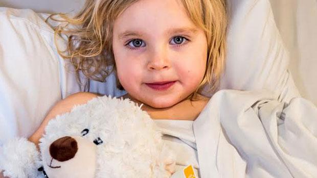 Article image for Little Savannah slices her finger in orange juice accident