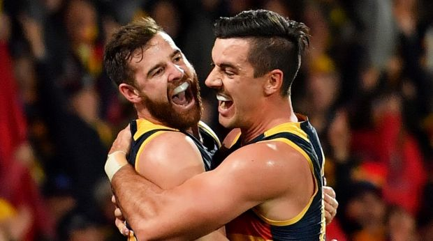 Article image for Adelaide leaps to top of the table with a big win over the Bulldogs