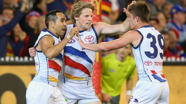 Article image for Crows come from 50 points down to snatch draw after the siren