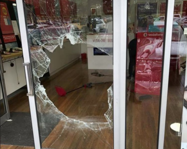 Article image for Lynbrook phone store smashed into, robbed