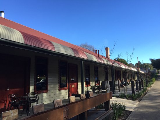 Article image for Pub Of The Week review: Ranges Hotel, Gembrook