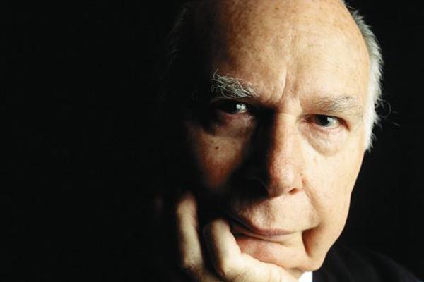 Article image for Giant of Australian Rules media, Harry Beitzel, dies