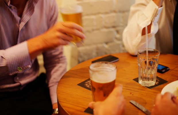 Article image for Bad boozers: Startling survey results show men don't understand healthy drinking