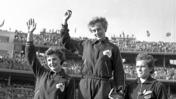 Article image for Australian sprinting legend Betty Cuthbert dies aged 79