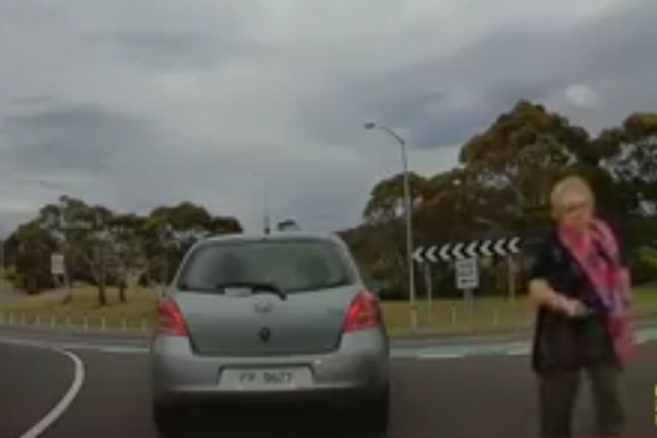 Article image for Little old lady stops to commend good driving – in the middle of the road