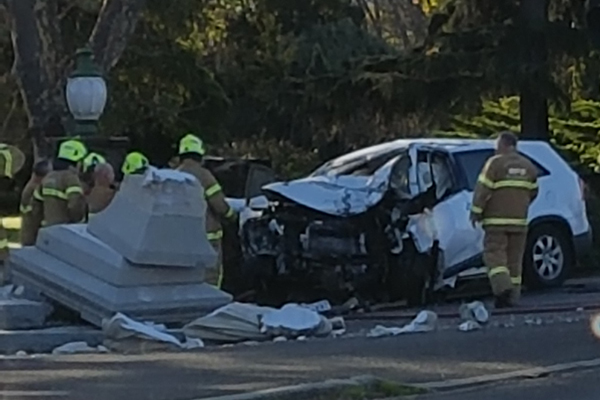 Article image for Car smashes into Footscray monument