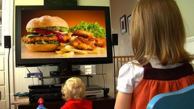Article image for Calls to ban free toys being used to sell junk foods