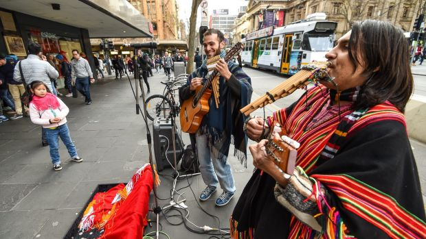 Article image for Public to be the judge on city buskers