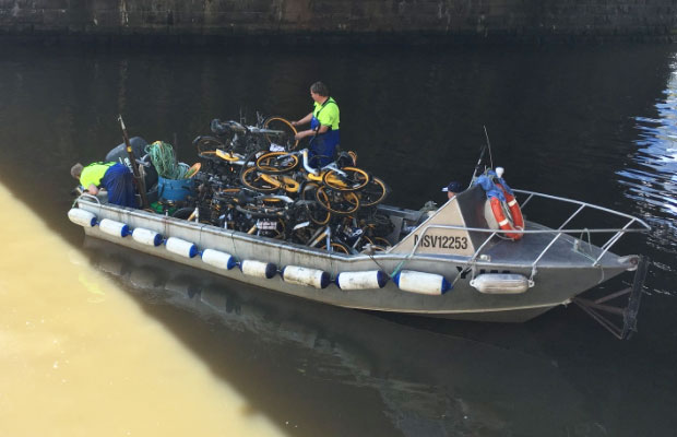Article image for Dozens of oBikes being pulled from the Yarra