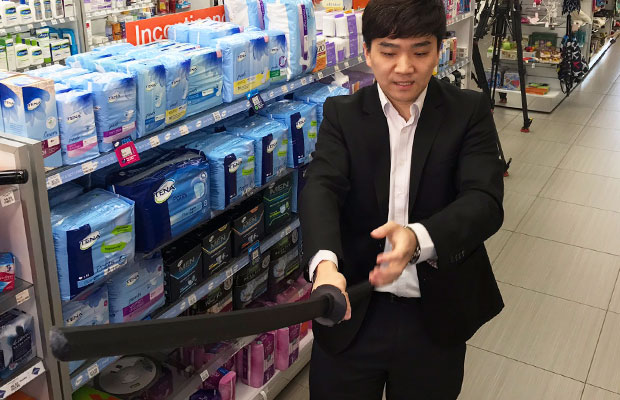 Article image for RUMOUR CONFIRMED: Shop owner fights off intruders with toy sword