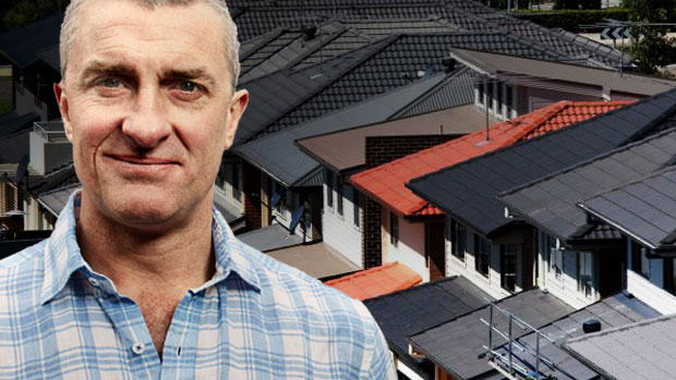 Article image for Tom Elliott says the changes to land tax are a 'rip off' for Victorians