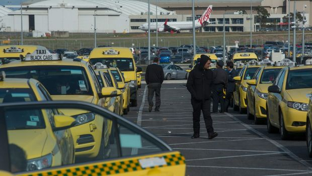 Article image for One in four taxi drivers at Melbourne Airport fined for refusing short trips