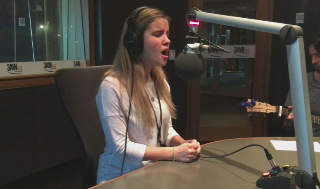 Article image for Rachael Leahcar performs her new song in the 3AW studio