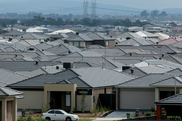 Article image for Jitters as house prices fall for units, apartments in Melbourne's property market