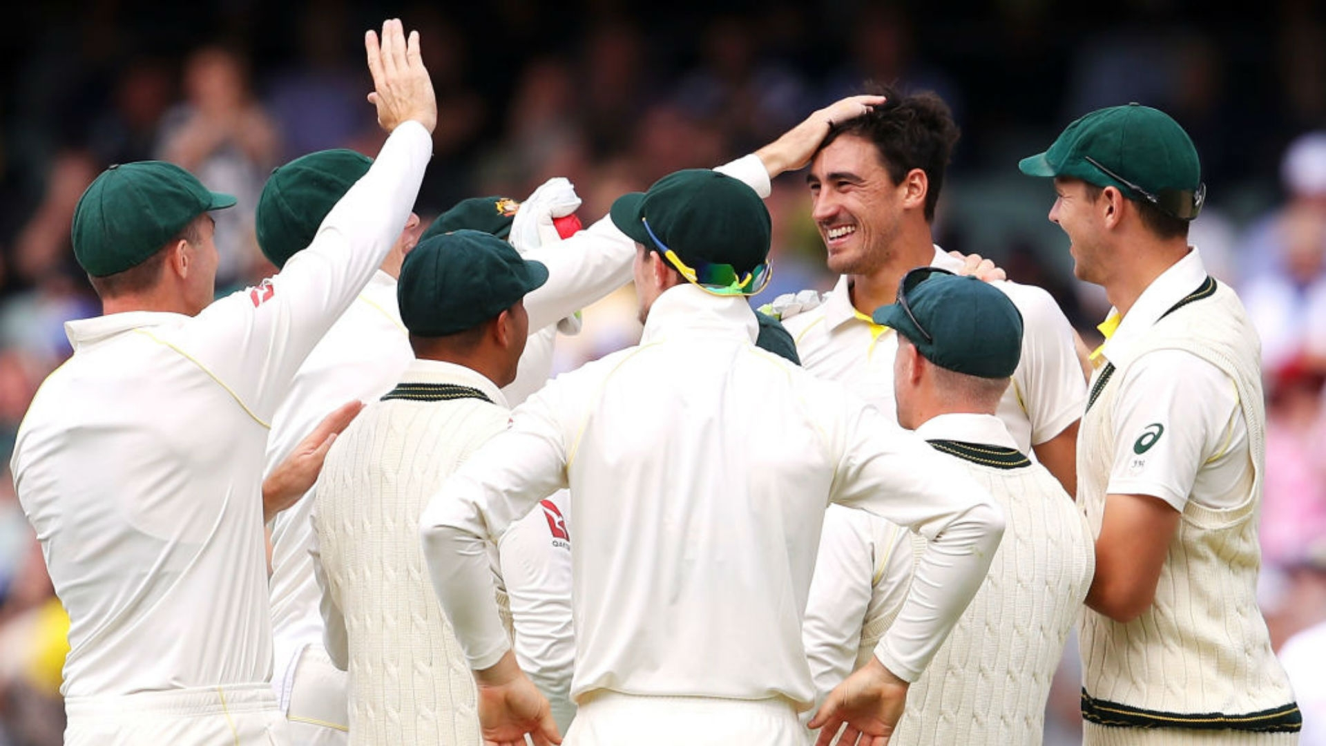 Article image for Starc satisfied with Smith's refusal to reinsert England