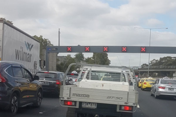 Article image for Tullamarine Freeway closed after high-voltage power lines come down