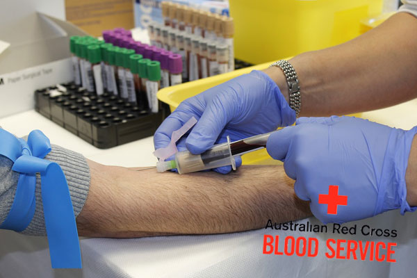 Article image for Blood bank inundated after man's on-air plea for best mate battling cancer